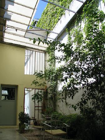 Palermo Viejo Bed & Breakfast: The Main Courtyard