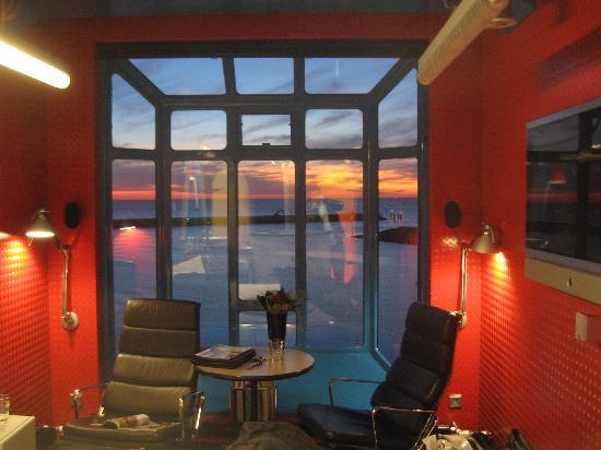 Harlingen Harbour Crane / Crane Hotel: inside the crane at night