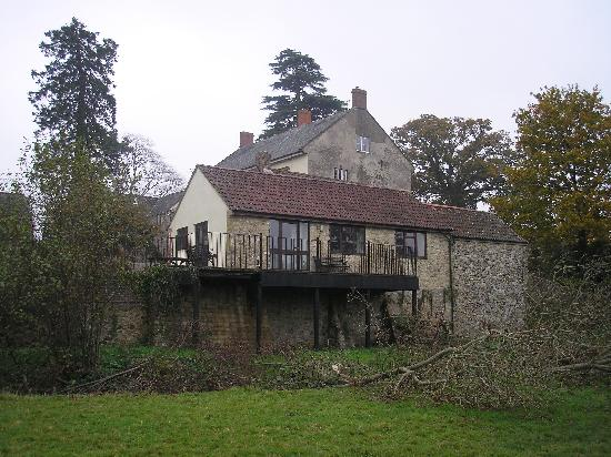 Bere Farm Cottages: Rear of Riverside Cottage