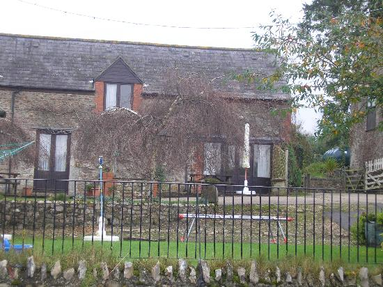 Bere Farm Cottages: Rear of Cottage