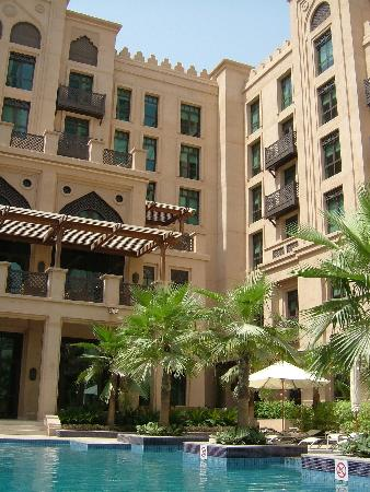 Vida Downtown: hotel and pool