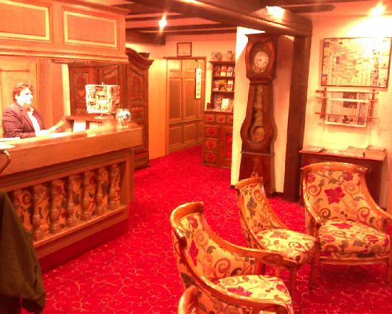 Hotel Pere Benoit : Lobby