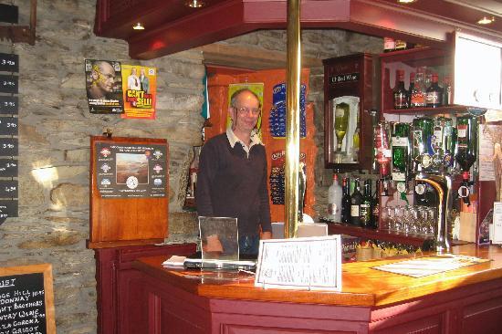 Horseshoe Inn: The Pub