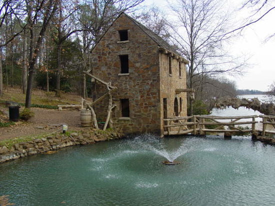 The Old Mill: The pond