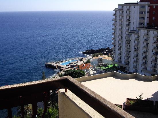 Hotel Baia Azul: Looking South
