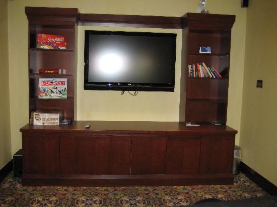 Staybridge Suites Guelph: Theatre Room in Lobby