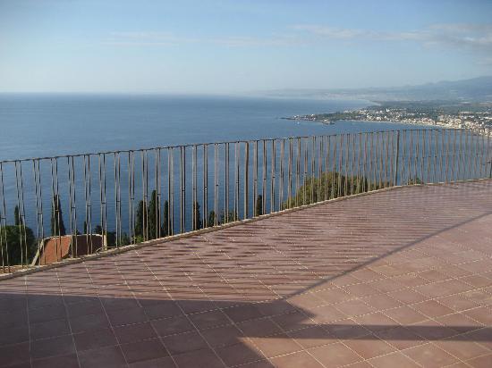 Camere Il Leone: Terrasse