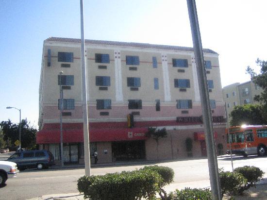 Super 8 Hollywood/LA Area: the hotel