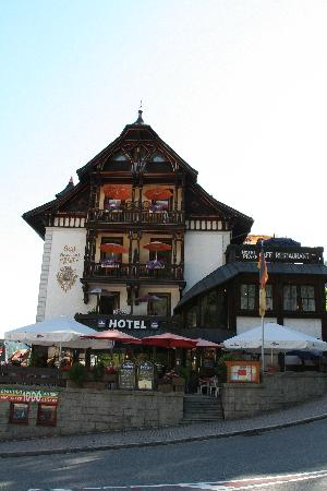 Hotel Restaurant Pfaff: Front of the hotel
