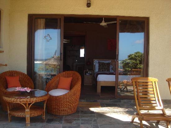 La Maison D'ete Hotel: une chambre bungalow terrasse privée