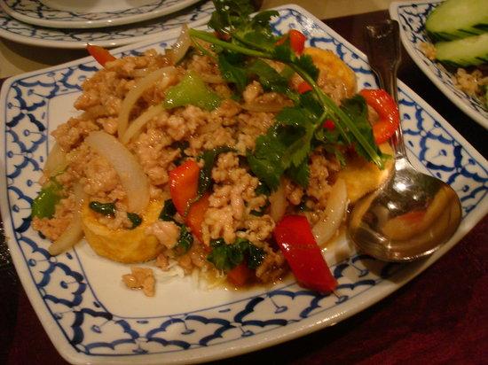 President Thai Restaurant: Spicy Chicken Tofu