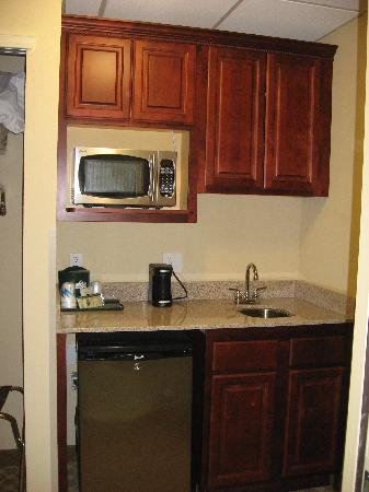 Country Inn & Suites By Carlson, Absecon (Atlantic City) Galloway: kitchenette