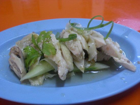 Fook Seng GoldenHill Chicken Rice : Tender and juicy chicken