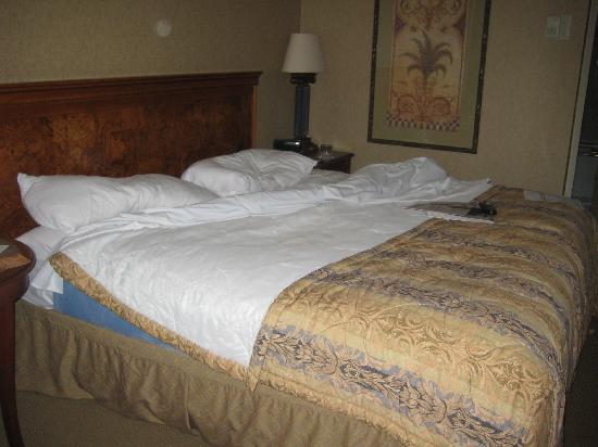 Washington Court Hotel on Capitol Hill: Bed