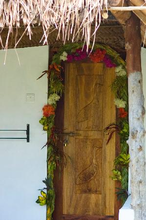 The Manta Resort: the welcoming honeymooners door