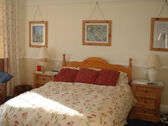 18 Kirkley Cliffe: Our Room