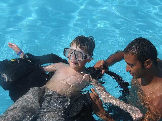 Aqua Nabq Dive Center: Sandy and Adam