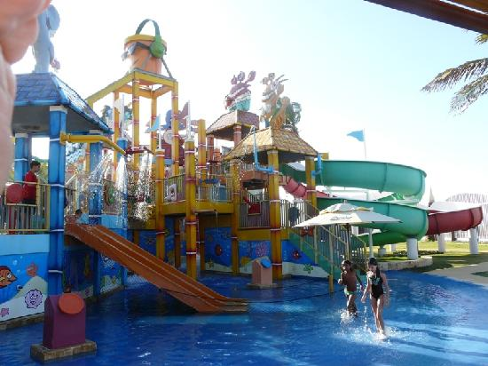 Beach Park: Aqcuashow-diversion para chicos y grandes