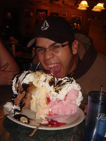 Tony's I-75 Restaurant : My husband and the beast of ice cream