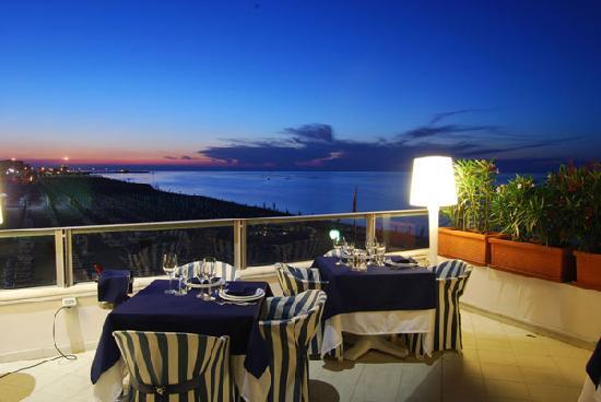 Imperial Sport Hotel: Terrazza panoramica ristorante