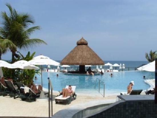 SERHS Natal Grand Hotel: Swim up bar