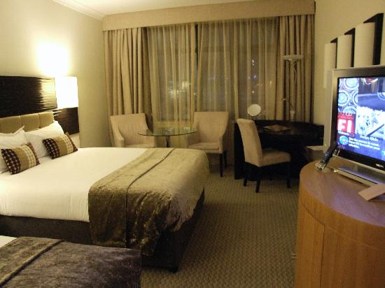 Cork International Hotel: Bedroom..