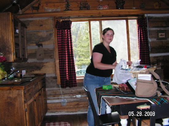 Ute Trail River Ranch: My Sweet Little Stinky Cook'n Up a Storm