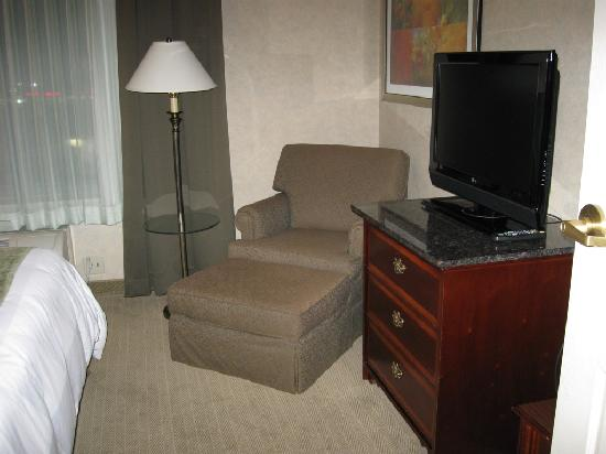 DoubleTree by Hilton Pleasant Prairie Kenosha: Smaller HDTV in bedroom area of executive suite at Radisson Kenosha