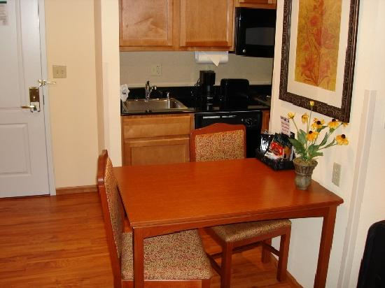 Homewood Suites by Hilton Fairfield - Napa Valley Area : Eating Area