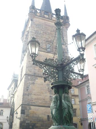 Charles Bridge Bed And Breakfast : Lamp Post outside of B&B looking towards the Charles Bridge