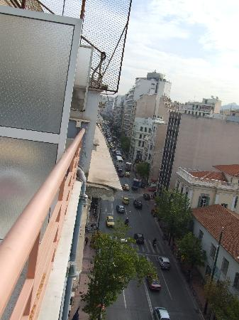 Athens Odeon Hotel: From balcony - view down the road........!