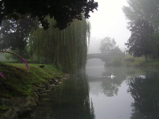 Poitou-Charentes, Francia: Vibrac Dawn