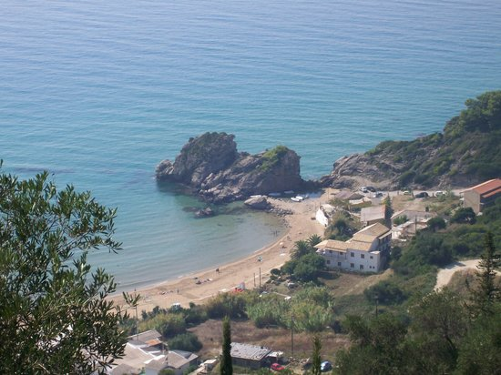 Korfu, Grécko: Looking down onto Agios Georgios