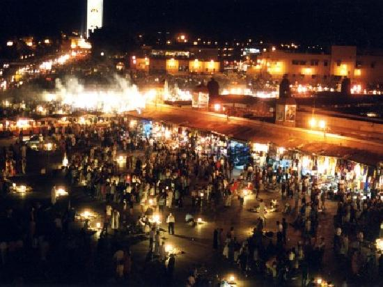Riad Pourpre: Piazza  Djemaa el Fnaa