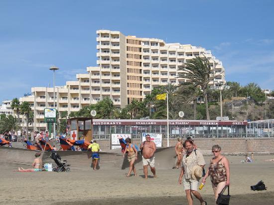 IFA Dunamar Hotel : Hotel Dunamar vom Meer aus gesehen. In den niedrigen Gebäuden wird unnützer Lärm erzeugt.