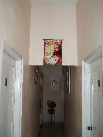 Hotel La Danae : Jesus icon in hallway, la Danae hotel