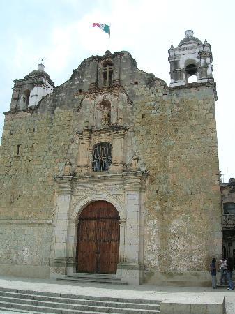 Hotel Parador Crespo: Iglesias de Santo Domingo