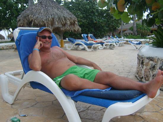 Moi A La Piscine moi, à la piscine du sirenis - picture of sirenis punta cana resort