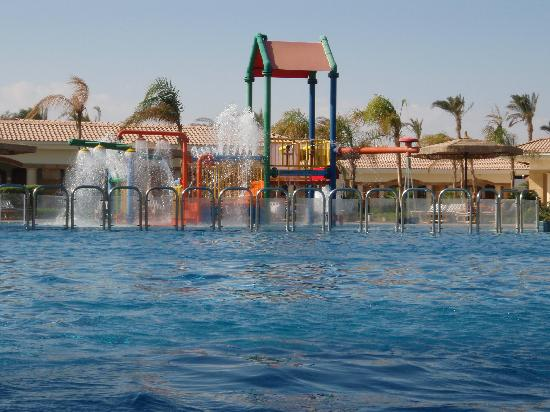 Maritim Jolie Ville Golf & Resort: Play area - in the royal wing pool