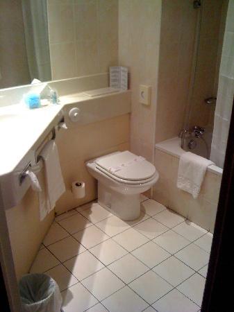 L'Amiraute : Sanitaires dans la salle de bains