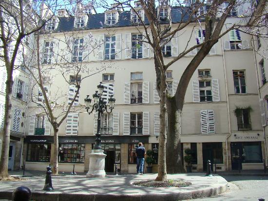 place de furstenberg picture of paris ile de france tripadvisor. Black Bedroom Furniture Sets. Home Design Ideas