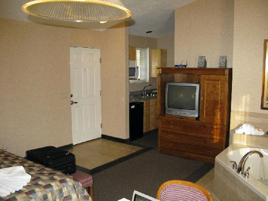 Skaneateles Suites: More bland and basic