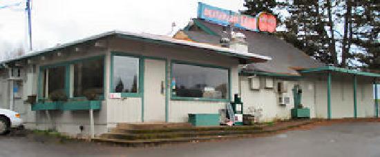 Dexter Lake Club: Mack's Dexter Lake Cafe