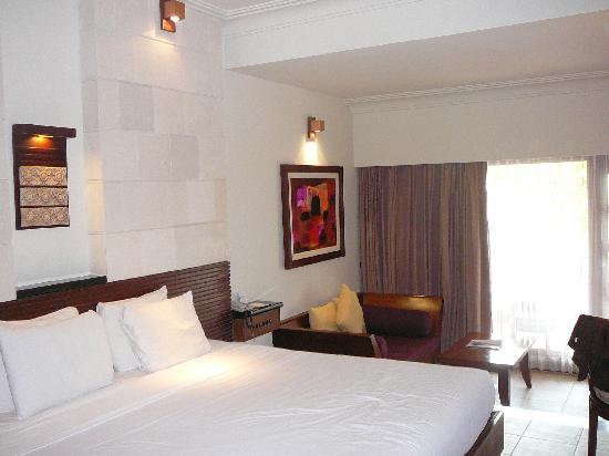 Hotel Santika Premiere Beach Resort Bali: Santika Hotel Tuban premiere room