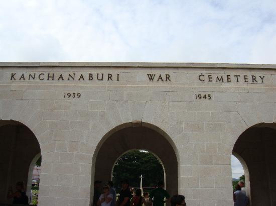 Bridge Over the River Kwai : Kanchanaburi War Cemetery