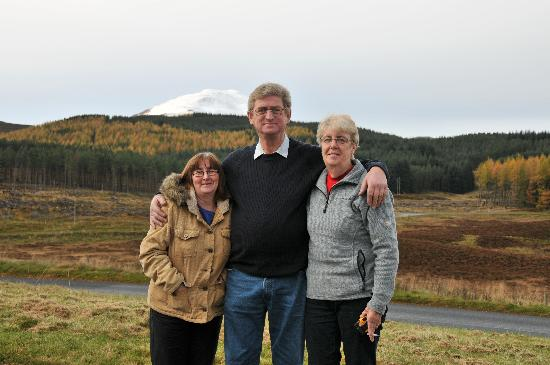 The Lochearnhead Hotel: caryl barry & linda by pete davies wales