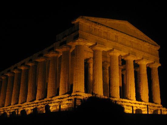 Baia di Ulisse Wellness & SPA: notturna da incanto