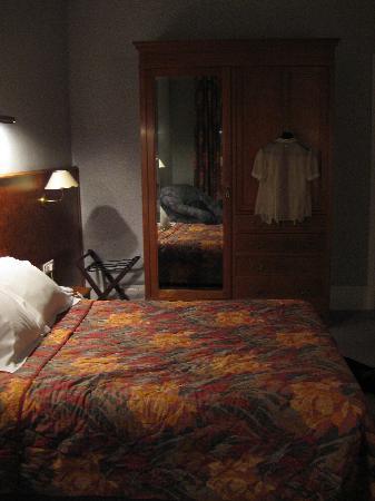 Logis Midland: the room