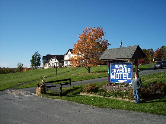 Howe Caverns Motel Lodge