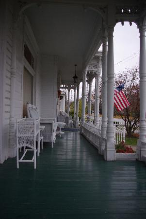 front porch of Winans House B&B